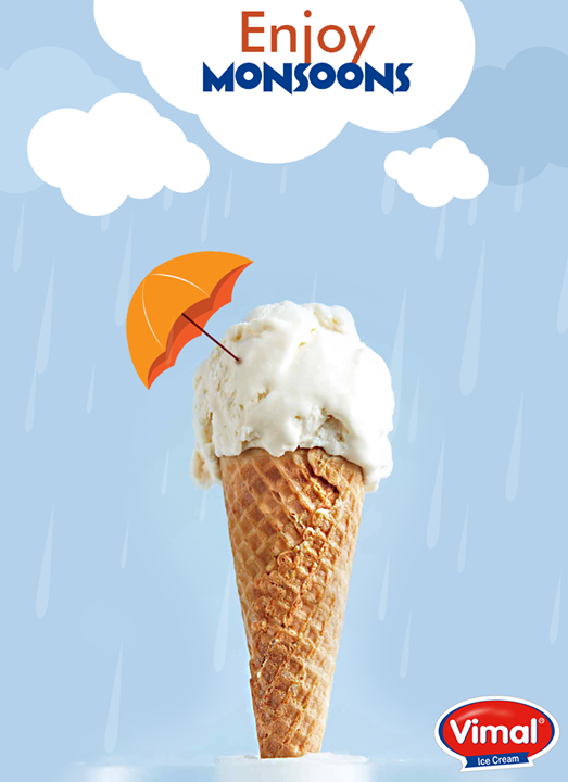 Happiness is a favorite ice cream in monsoon! 😍💦☂️  #Happiness #MonsoonTime #IceCreamLovers #Vimal #ICecream #Ahmedabad