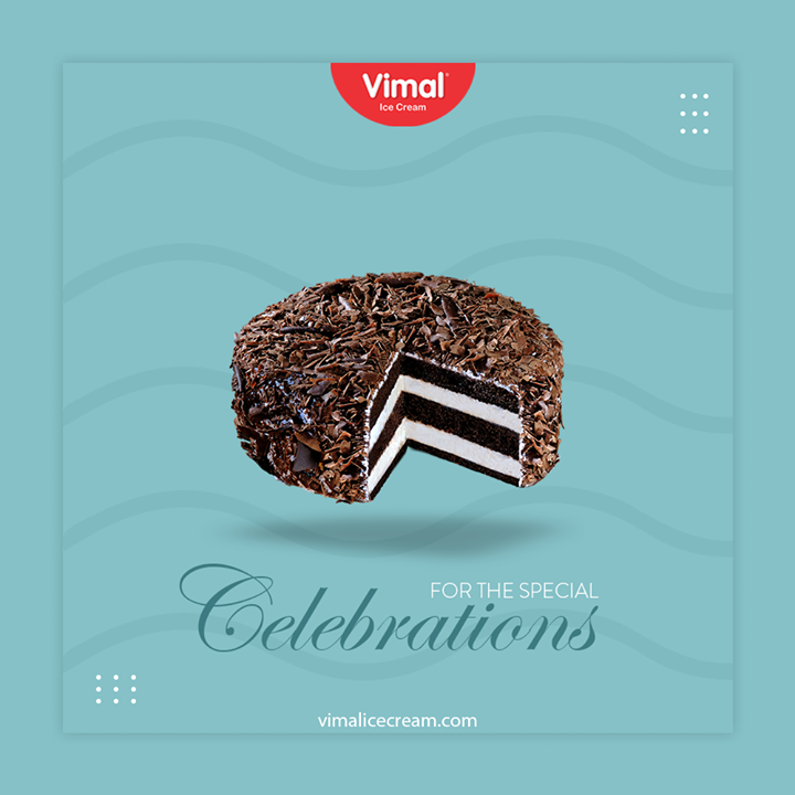 Celebrate special and happy moments with our yummilicious Ice Cream Cakes  #IcecreamTime #IceCreamLovers #FrostyLips #Vimal #IceCream #VimalIceCream #Ahmedabad