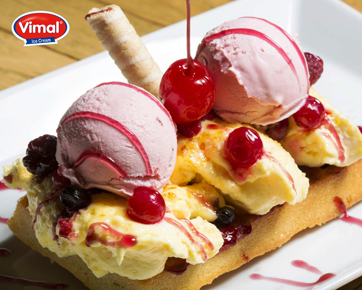 2 scoop of your #favorite #icecream some #fruits & the #sugar syrup just works wonder for a #Wednesday afternoon!   #VimalIceCreams #IceCreamLovers