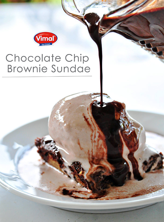 Make this wonDDerful creation with a Chocolate Chip Cookie Brownie | #Chocolate Ice Cream | Chocolate Sauce!