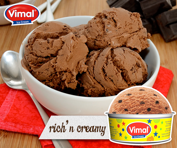 Admit it, we cannot say no to this #Chocolate filled happiness!  #IcecreamLovers #VimalIcecream #Ahmedabad